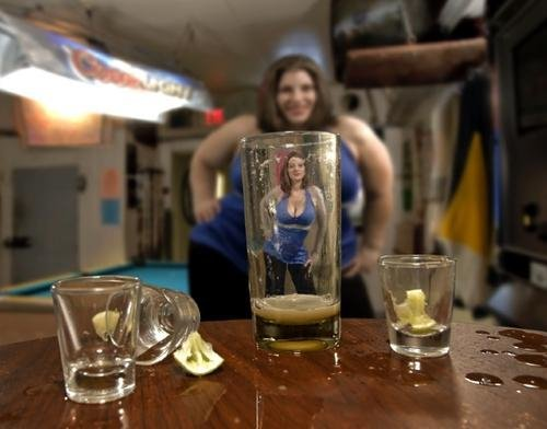 chica_alcohol